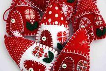 Decoraciones de la escritura navideñas de fieltro