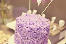 Cake Decorating Ideas / by Anita Thomson