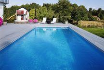 Allt för Pool och SPA / Här kan du hitta allt du behöver när du funderar på att skaffa en alldeles egen pool eller spabalja eller letar efter tillbehör till den du redan har. Se mer på vår hemsida: villalivet.se/pool-spa/