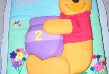 Winnie Pooh / Torta forrada en pasta de azucar.