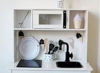IKEA Duktig Monochrome Makeover / DIY: Cool monochrome makeover of the Ikea Duktig play kitchen. - [Ikea Duktig/Ikea Hack/Ikea Duktig Makeover/Ikea Duktig Kitchen/Ikea DIY/Ikea play kitchen/ikea keukentje pimpen]