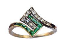 E M E R A L D  / emerald jewellery ring necklace bling precious stone