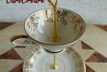 Vintage - Etageren / Wunderschöne Etageren aus altem Porzellan.  So werden alte Tassen und Teller zu Hinguckern auf jeder Kaffeetafel. Die Etagere ist ein perfekter Platz für viele Leckereien zu jedem oder auch ganz ohne Anlass. Einfach um den Tisch besonders zu schmücken. Jede dieser einmaligen Etageren besteht aus einer Tasse, einer Untertasse und einem Kuchenteller. Sie sind gebohrt, nicht geklebt, und mit einem Etagerenstab verbunden. von ♥•.*CaroCreare*.•♥