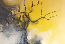 arbre fond jaune
