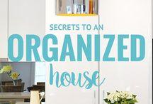 Decluttering Your Home / DIY and budget ideas for organizing and decluttering your home, focused on single mom households.  #solomom #singlemom