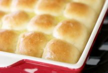 Food:Bread savory yeast rolls / by Faye McBrayer