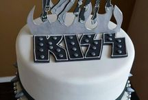 AWESOME KISS CAKES