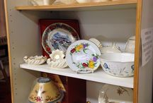 Antique glassware & pottery / Antique glass, pottery, depression glass, elegant glass, Roseville, etc.