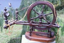 Table Top Spinning Wheels and Parlor Wheels