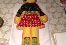 Torta di compleanno / Crostata di frutta a forma di Bambolina ...