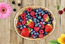 Primavera en rojo con Mycook / Recetas para disfrutar en primavera con esos deliciosos frutos rojos que están en plena temporada.
