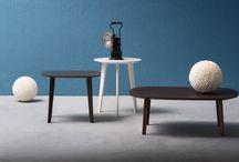 Tavoli e tavolini - Life / Life è un tavolino con struttura legno disponibile in tre varianti: rotondo con tre gambe e rettangolare con quattro gambe in due misure.