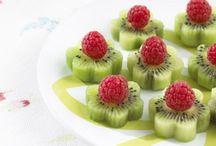 On food - Desserts / by Lili Lighe