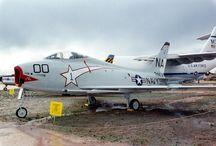 North AmericanFJ-4 Fury / Pima Air & Space Museum : Tucson, Arizona 1990 North AmericanFJ-4 Fury