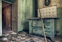 Abandoned / .