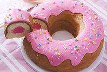 Donut Party Ideas Doughnuts / Loving the circles of sweetness? Donuts or Doughnuts are center stage for Sweets Parties and even make an appearance at Ice Cream and Cupcake Parties. What great and supportive friends!