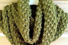 Knitted cowl necks