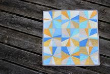 Quilting with solids / Quilts made with solid fabrics. Moda Bella, kona and more