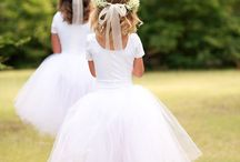 Flower girls / For a little inspiration for the girls. Long and lace