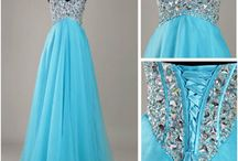 Dresses / by Hannah Landreneau