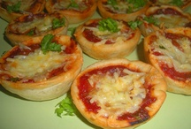 FOOD: My homemade pastas, pizzas..... / I love Italian food. These are pics of my homemade pasta, pizza, sauce........