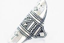 Bagues hommes en argent / Bagues ethniques pour hommes et femmes en argent. Bijoux création de la bijouterie Toulouse Laoula.
