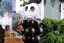 Halloween Balloon DIYs / Pop in for thrilling DIY tips to create wicked-cool balloon decorations for outdoor and centerpieces!  / by Party City
