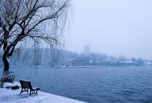 impressive snow scenery / Clad in silvery white, West Lake looks so intoxicating.