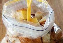 oud stokbrood met ingredienten in een zak