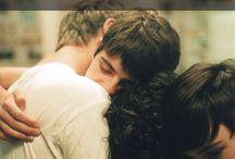 Hugs / All about hugs (~;