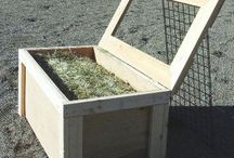 Hay feeders / Ideas for hay feeders to help contain the hay or slow down the consumption.