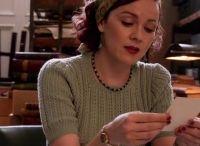 Nieuwe Netflixliefde: The Bletchley Girls. Mooi gebreide kleding