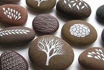 Painted stones - decor