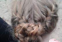 Schöne Frisur ❤️ / Das ist einfach zu machen Man muss von der Kopfhaut Flechten und daraus macht man einen Dutt