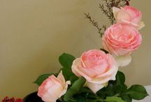 merangkai bunga hidup