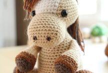 Crochet Toys / Связанные крючком звери, птицы и прочее. Амигуруми. Схемы вязания.