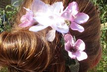 Bridesmaids Hair Flowers / Pretty floral accessories for bridesmaids.