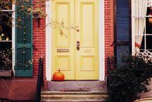 Portas e Janelas Coloridas