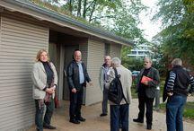 Barrierefreies Scharbeutz - Lübecker Bucht Tourismus / Im Oktober 2014 besichtigte die SPD-Kreistagsfraktion Scharbeutz und begutachtete die Barrierefreiheit. TALB Vorstand Ralf Hots-Thomas sowie auch Herr Haltermann Senior, erläutern die Entwicklung Scharbeutz.