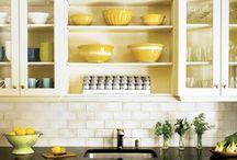 Yellow, black and white kitchen / Yellow, black and white decor kitchens.