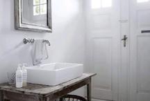 Bänkmonterade handfat i badrummet - Idéer