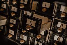 Библиотека им. Ленина / «Всю Великую Библиотеку строили для одной-единственной Книги. И лишь одна она там и спрятана. Остальные нужны только чтобы ее скрыть. Ее-то на самом деле и ищут. Ее и стерегут...» Итак, вам предстоит найти ту самую книгу, на чёрных страницах которой Будущее.