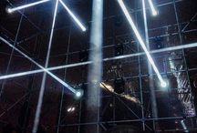 Light outside ideas Pricenhage Ettensebaan / Wijkplan Princenhage  Werkgroep verbetering entrees Princenhage 'Mooie groene ideeën'; plaatsen van nieuwe bomen bij de entrees Echter op kruispunt Ettensebaan/ Heilaarstraat teveel leidingen in de grond .... Echter wel heel geschikt gebouw voor light art.. Van Goch, drie linden, mooie voorbeelden vanuit GLOW Eindhoven