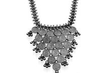 silver necklace online / Silver necklace online is the best purchase for those women who love design, elegance and glamour. It is the must have in all jewelry collection.