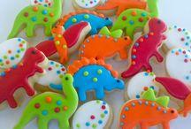 Dinosaur Birthday Party Ideas & Tips / Dinosaur Birthday Party ideas and fun tips #dinosaur #printables #invitations