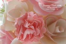 SU! Flowers / by Toni Wygant