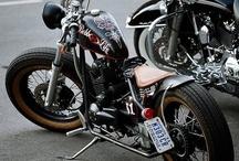 Motorbikes - Bobbers - Race Cafe