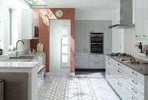 Белая кухня / Современный дизайн белой кухни