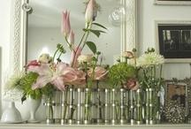avril / J'adore ce vase des Tsé Tsé que je ne peux m'offrir, alors j'en collectionne les photos in situ...