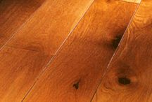 solid wooden flooring / All Spier solid wood floors are factory-finished and ready-to-lay. The tongue and grove provided on all four sides of each floorboard ensures quick, precise and easy installation
